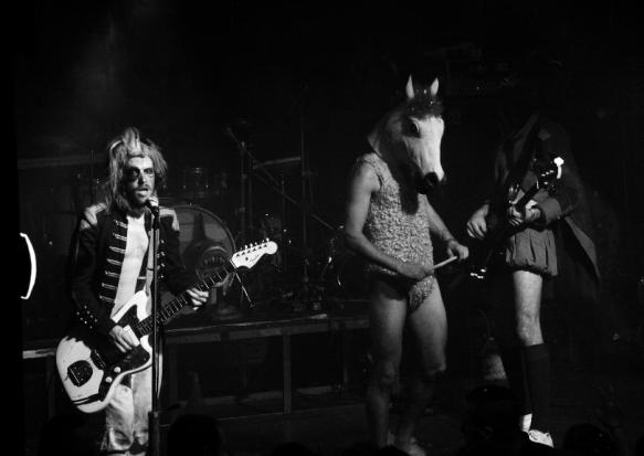 15.Oct.10 - LIVE: BONAPARTE