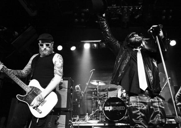 7.Jul.11 - LIVE: SKINDRED