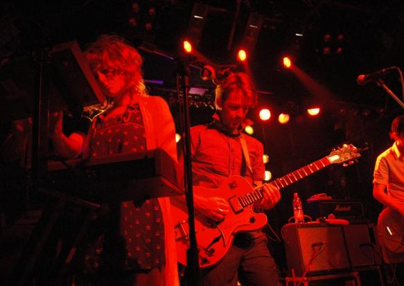 22.Jun.10 - LIVE: THE BROKEN SOCIAL SCENE